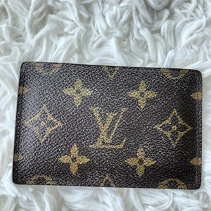 AUTHENTIC Louis Vuitton Card Carrier